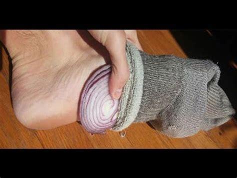 Onions In Socks To Detox by Despu 233 S De Esto Vas A Querer Dormir Con Una Cebolla En Tus