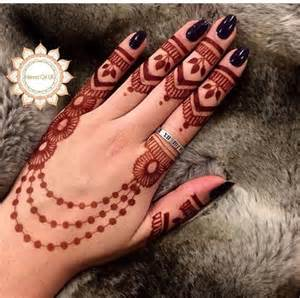 18 gorgeous arabic mehandi designs inspired by spring