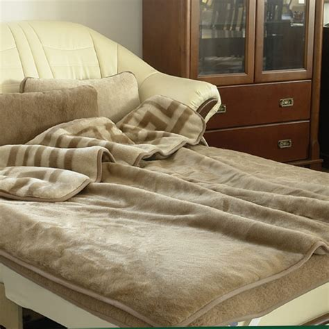 Bettdecke 155x200 by Camel Wool Blanket Quot Greca Quot The World Of Wool