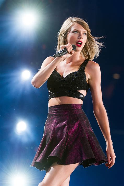 taylor swift tour july 11 swift to be in spotlight at vmas along with kendrick