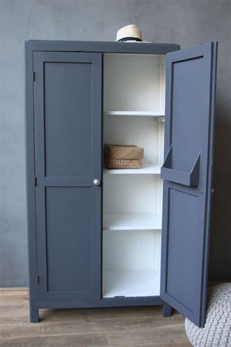 Wardrobe Paint Colours by 1000 Ideas About Bedroom Cupboards On Built