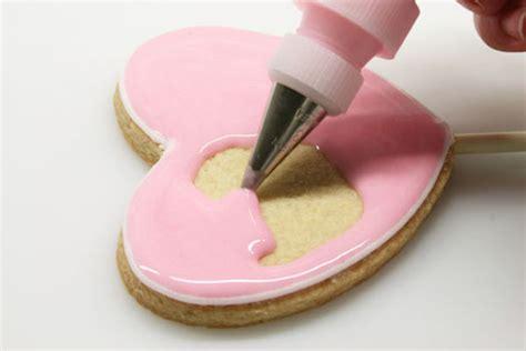 decorar galletas paso a paso c 243 mo hacer galletas decoradas con glasa real pequerecetas