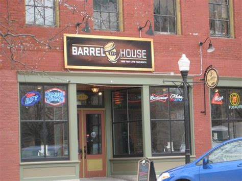 barrel house 221 2nd davenport