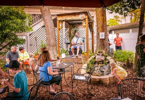 low country backyard hilton head a lowcountry backyard restaurant hilton head island