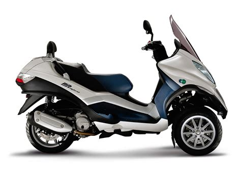 piaggio imports 3 wheeler 125cc mp3 scooter for r d