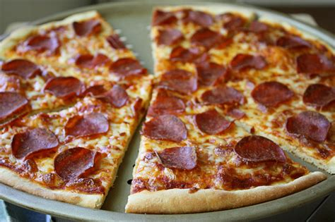 best pizza best pepperoni pizza crispy crust