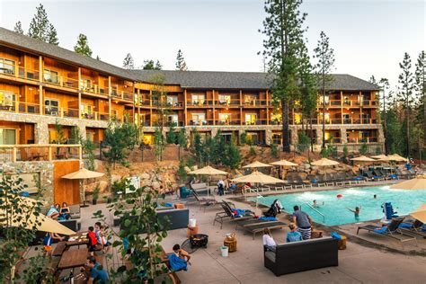 Hotels With 3 Bedroom Suites lodge rooms rush creek lodge