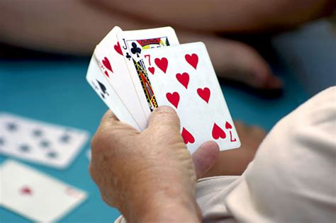 membuat sebuah cerpen sebuah cerpen mengangkat kehidupan permainan poker