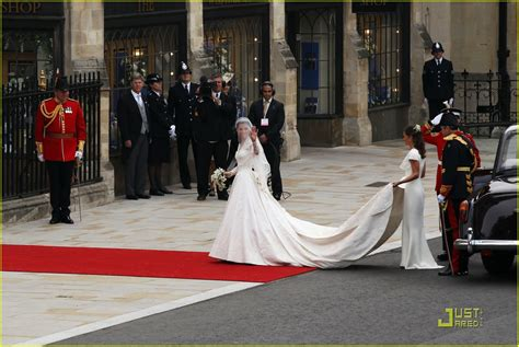 Royal Wedding Kate Arrives At Westminster by Sized Photo Of Kate Middleton Prince William Arrive