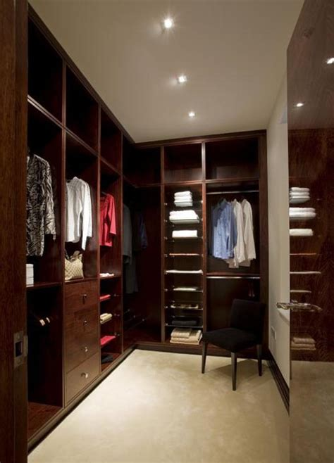 In A Dressing Room by Harrogate Dressing Rooms Bedroom Furniture