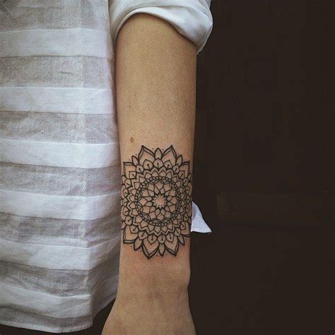 tattoo mandala bras geometric tattoo tatouage mandala linework sur avant