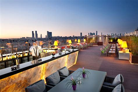 Short Chaise Lounge Istanbul S New Marti Hotel Boasts Rooftop Bar With