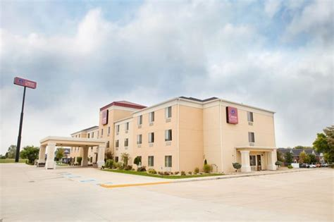 comfort inn bloomington hotel picture of comfort suites bloomington tripadvisor
