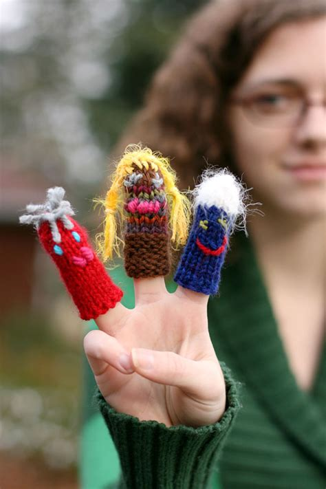 free knitting patterns finger puppets knitted finger puppet patterns 171 free patterns
