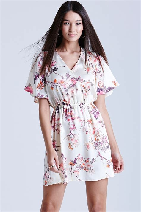 Kimino Puvie outlet on print kimono wrap dress outlet on from uk