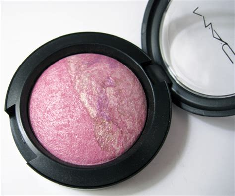 Mac Eyeshadow 8 Colour 2 Blush On two ways to win 104 in mac cosmetics makeup and
