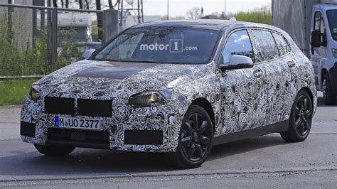 Bmw 1er Facelift 2019 by 2019 Bmw 1 Series Spied For The First Time