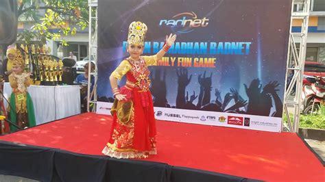 Baju Show Nyayi Penyanyi Tari tari jaipong ronggeng nyentrik sonya ratu