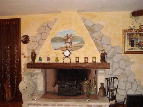 decorare il camino decorazione su cappa camino soggetto sardo ru me