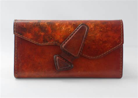 handmade leather wallet by 2treesleathercrafts