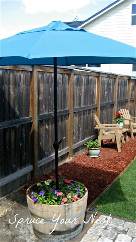 Diy Patio Umbrella Stand 24 Diy Garden Projects Anyone Can Make