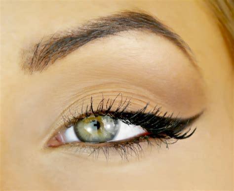 eyeliner tutorial round eyes sch 246 nes augen make up schminktipps nach der augenform
