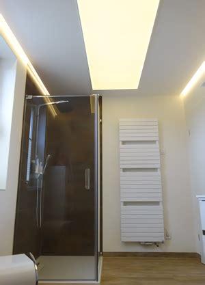 led len in der decke lumitron led fl 228 chenbeleuchtung f 252 r die decke im badezimmer