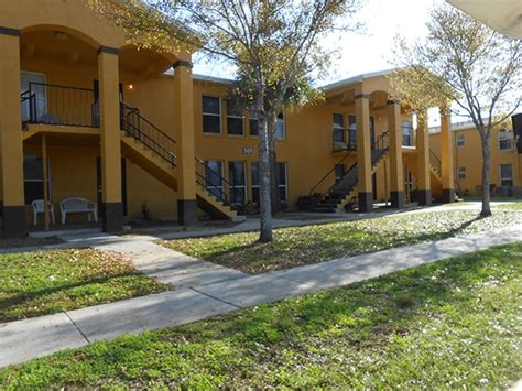 2 bedroom apartments daytona beach fl gardens of daytona apartments daytona beach fl