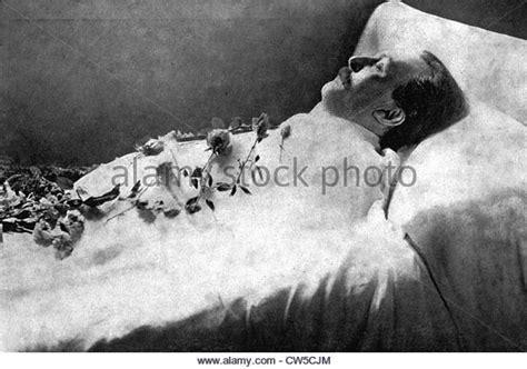 bed death death bed 28 images late actor warren clarke makes