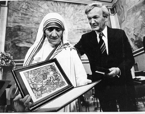 mother teresa nobel peace prize biography in hindi mutter teresa heiliggesprochen das leben der ordensfrau