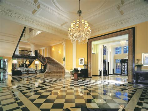 The Dining Room At The Berkeley Hotel by Top 10 Luxury Hotels In London