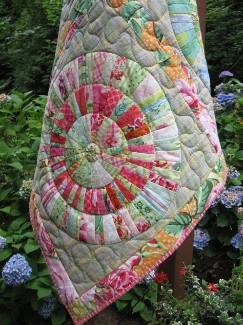 wagon wheels quilt pattern by rangolidesigns quilts