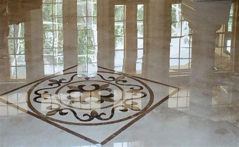 Come pulire i pavimenti in marmo?   Roba di Casa