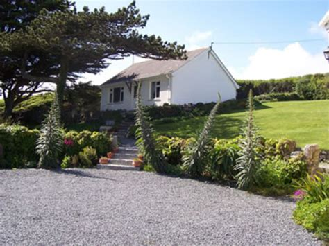 Cornish Cottages Mullion by Cornwall Seaside Cottages Overlooking The And Sea