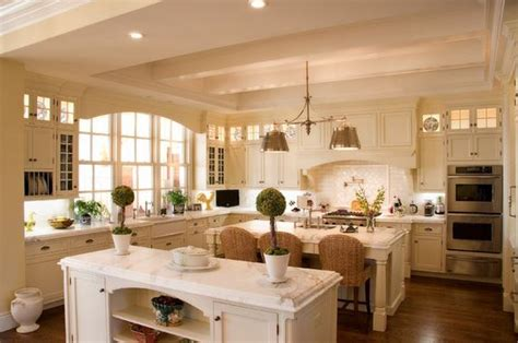 west island kitchen big kitchens vs small kitchens what s your preference