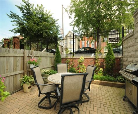 3 bedroom 2 story home on border of wicker park and