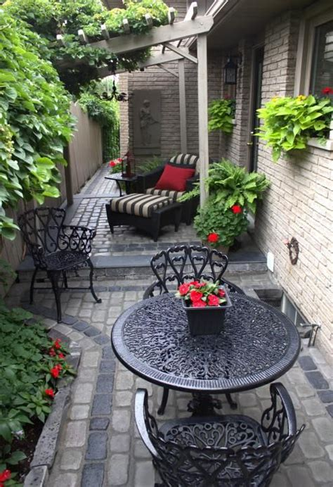 side patio ideas best 25 side yard landscaping ideas on front