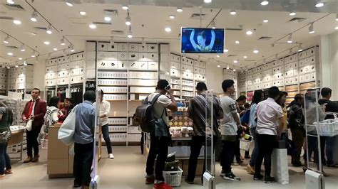 Mini 3 Di Jakarta queue at newly opened mini so japanese store at mal taman anggrek jakarta indonesia