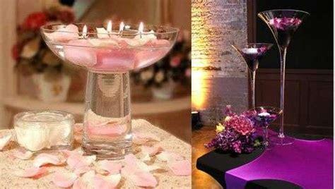 candele e petali di rosa centrotavola con candele foto nanopress donna