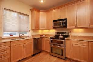 light maple kitchen cabinets maple cabinets with granite