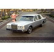 1985 Lincoln Town Car Photo 9