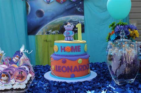 boov cake  pig cat home   dreamworks purple  blue  birthday cake