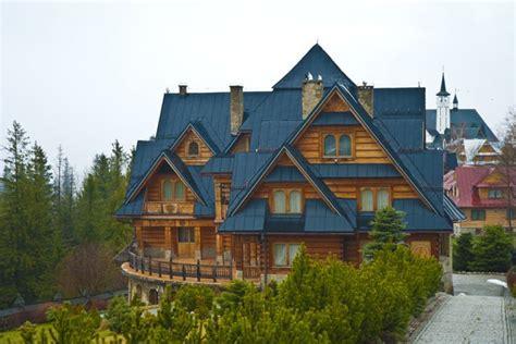 house of polish zakopane poland s winter capital in the tatra mountains pommie travels