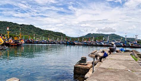 Lu Navigasi Kapal pantai prigi bahasa indonesia ensiklopedia bebas