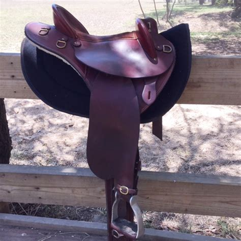 swinging fender saddle for sale 17 quot ammo leather swinging fender saddles and tack for
