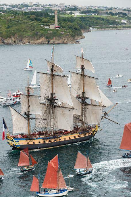 bateau hermione corse l hermione rade de brest 2015 sailing pinterest