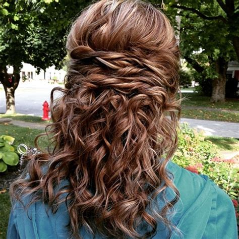 Hairstyles For Homecoming by Simple Yet Stunning Homecoming Hairstyles For A Picture