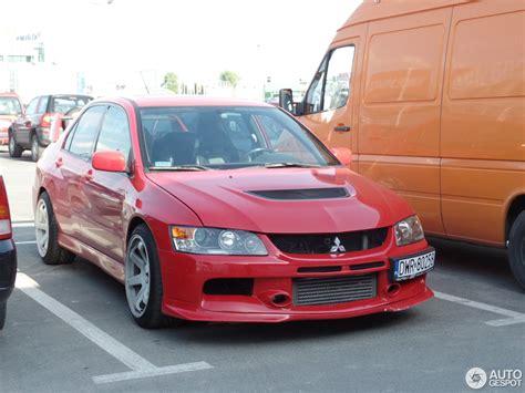 red mitsubishi lancer 100 mitsubishi evo red evo 8 wallpapers wallpaper