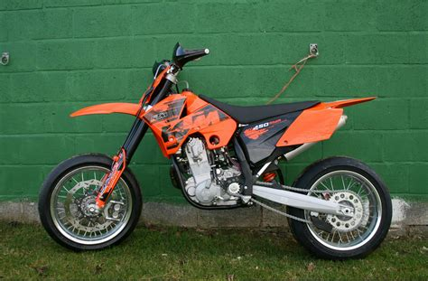 Ktm Smc 450 Ktm 450 Smc Usa Pics Specs And List Of Seriess By Year
