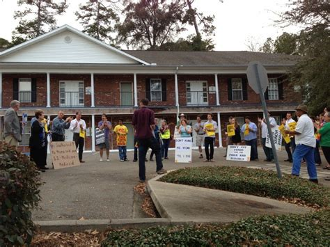 Tallahassee Social Security Office by Tallahassee Retirees And Students Rally To Defend Medicare